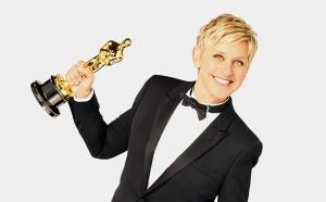 Ellen Degeneres Holding Oscar