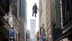 michael-keaton-birdman-flying-xlarge